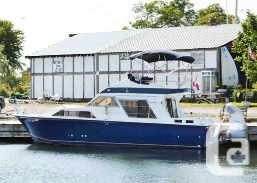 $44,900 1985 Fairline 32 FlyBridge Sedan Boat for Sale