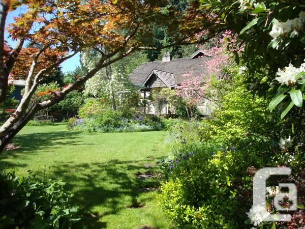- $450000 / 4br - 2322ft² - 1 Acre Property With