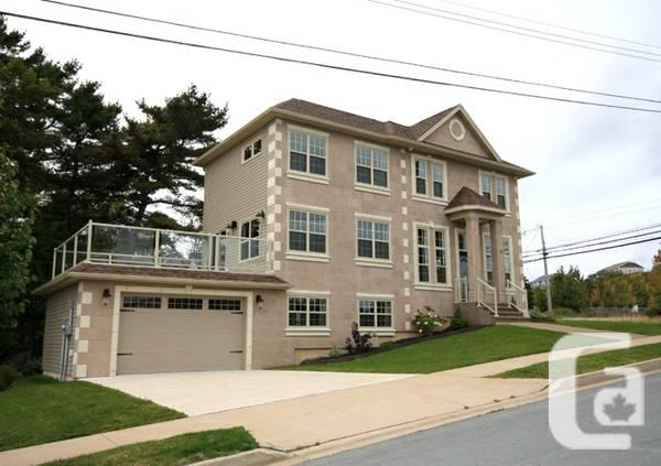 - $450000 / 4br - 2400ft² - New Beautifully Finished