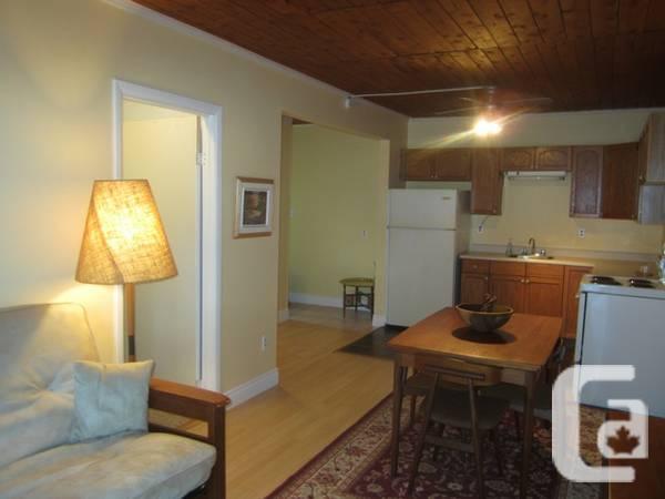 5 / 1br - 800ft² - one-bedroom condo