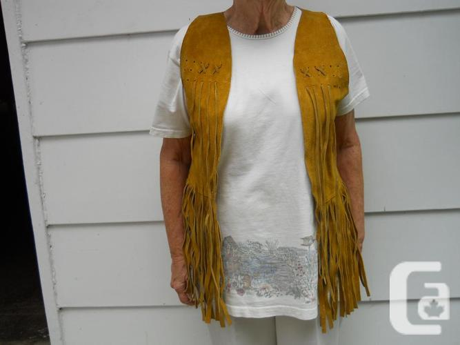 5 Suede Vests & 2 Summer Beach Bags from Alcapulco,