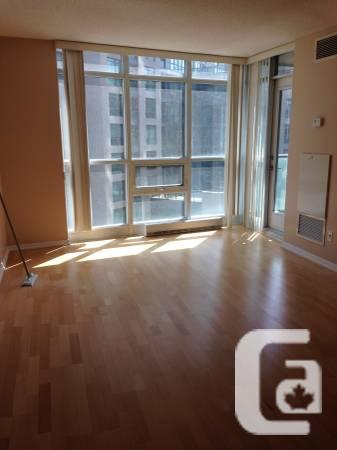 50 / 1br - 1BR + Bedroom at Lakeshore & Strachan