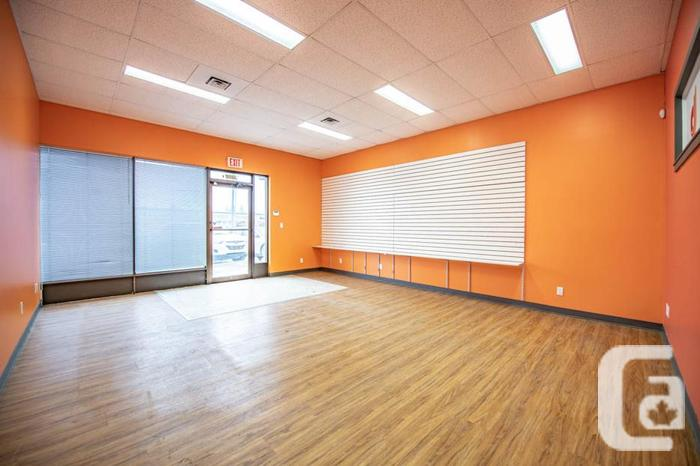 522 Victoria Avenue - Retail space with great