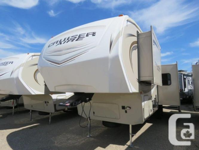 $55,545 2016 CrossRoads Cruiser Aire CAF29RS16 32ft