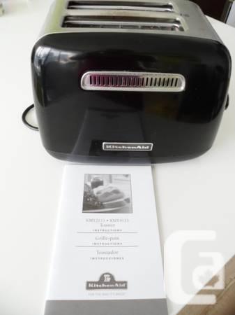 6 months old exc cond KITCHENAID Black/Steel Toaster
