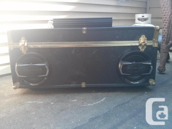 """600 watt speaker box with 2x6.5"""" speakers and"""