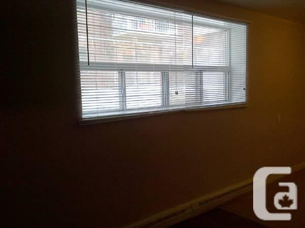$650 / 1br - ONE BEDROOM HOUSE