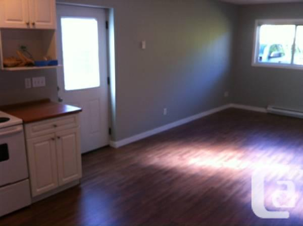 $700 / 1br - 675ft² - COMPLETELY NEW 1bedroom on-bus
