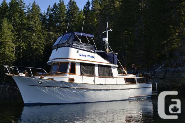 77 CHB 34' Tri Cabin Trawler