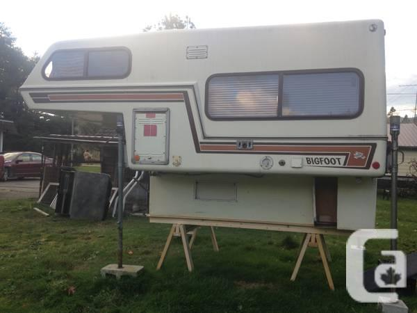 mobile homes for sale no credit check with 8 Foot Bigfoot Fibreglass C Er 4700 4000734 on Rental Townhomes Near Me furthermore 1991 A Sothwind Motorhome 65 000 Miles Tires 4205375 besides 8 Foot Bigfoot Fibreglass C er 4700 4000734 moreover 1998 21 39 Prowler Fleetwood 5th Wheel Trailer 4347201 as well Super C 08 Four Winns Kodiak 35b Diesel 30 000miles Duramax 79998 3987776.