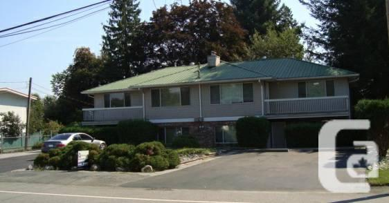 $850 / 2br - 900ft² - 900 SQUARE. NEWLY RENOVATED 4