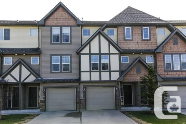 bath townhouse with walkout basement in calgary alberta for sale