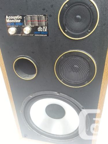 acoustic Monitor db4,3  way speakers