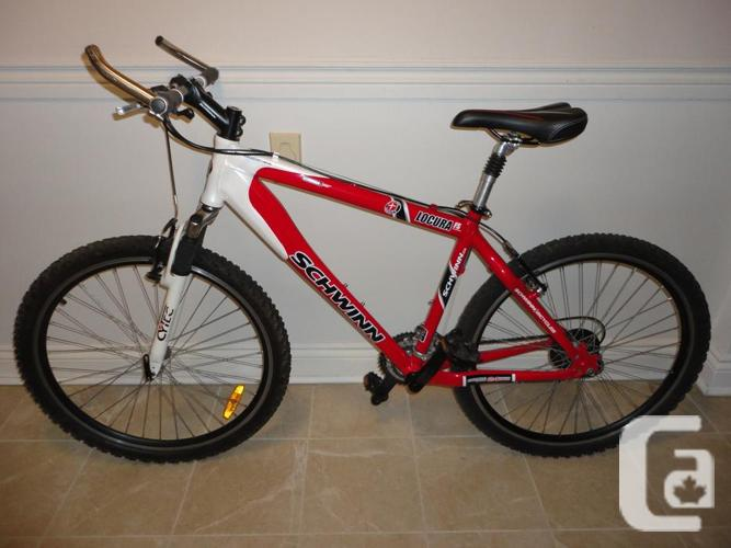 Adult Size SCHWINN Mountain Bike With Front Suspension!
