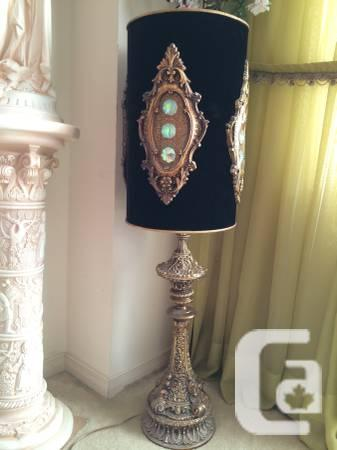Antique Champagne Accent Lamp