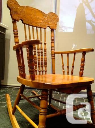 Merveilleux Antique Rocking Chair   King George V   Circa 1915