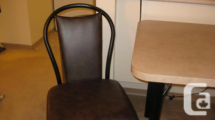 apartment size kitchen table 2 chairs for sale in regina