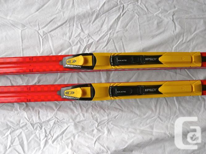 Atomic 190cm  Race / Skate skis, like new.