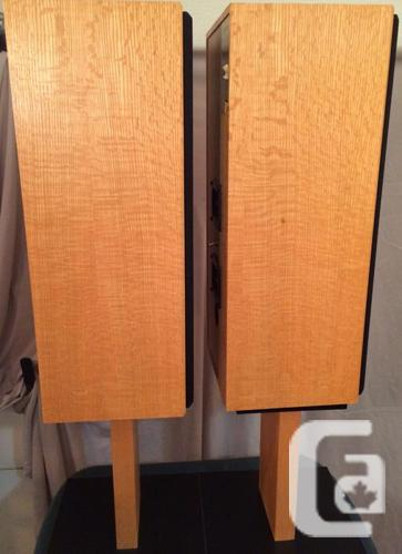 axiom ax2 award winning speakers with stands mint condition for sale in orleans ontario. Black Bedroom Furniture Sets. Home Design Ideas