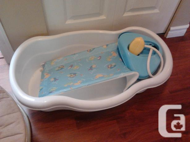 baby bath with sprayer for sale in nanaimo british columbia classifieds. Black Bedroom Furniture Sets. Home Design Ideas