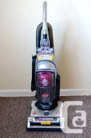 Bagless Vacuum POWERgroom PET - $85