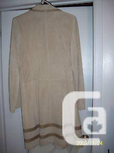 BANANA REPUBLIC SUEDE 3/4 LENGTH COAT~SIZE L~NEVER WORN