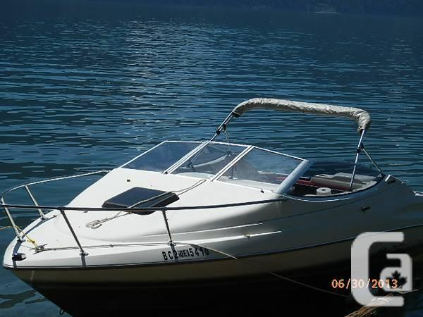 Bayliner Capri 20 feet boat & trailer - $5500 in Kamloops, British Columbia  for sale