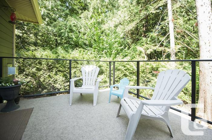 Beautiful 3 Bedroom Townhome in Nature's Edge