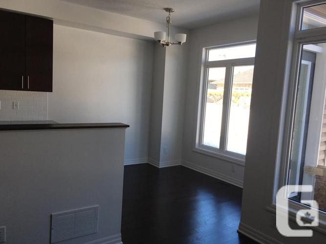 Beautiful 3 bedroom townhouse for rent –Orleans