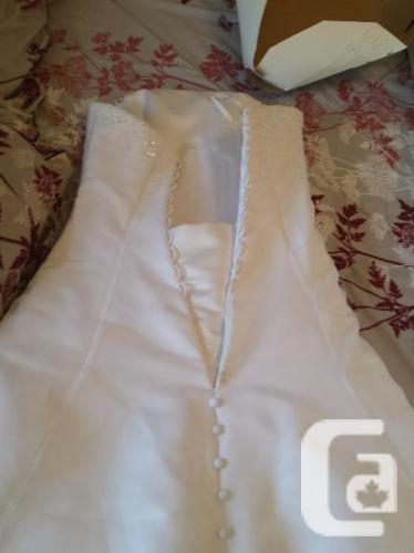 Beautiful A-line Wedding Dress sz 4 - 8