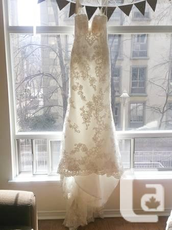 BEAUTIFUL been used CASABLANCA Wedding Gown - $1000