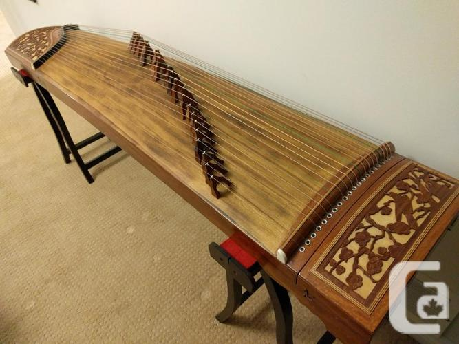 Beautiful Chinese instrument - Guzheng 古箏 / Chinese
