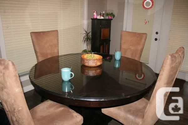 Bermex dining suite for sale in regina saskatchewan