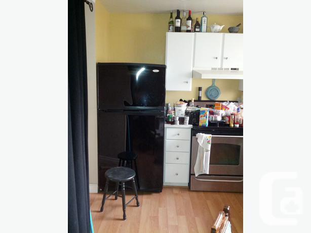 black whirlpool gold top freezer fridge