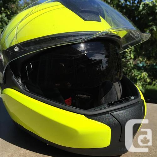 BMW System 7 Hi-Viz motorcycle helmet