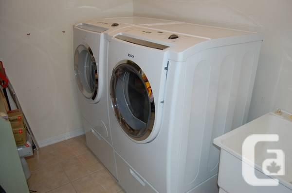 Bosch Nexxt 500 Plus Series Front Load Wash & Dryer