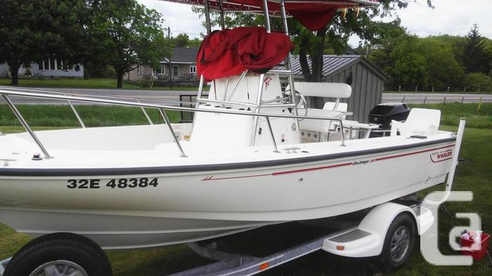 Boston Whaler 20 ft  Outrage center console 8 1/2 ft beam in Cardinal,  Ontario for sale