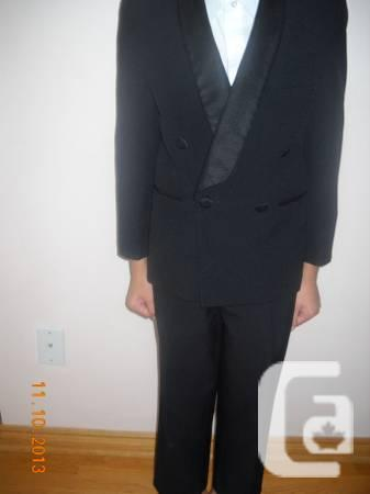 Boys suit with shirt and tuxedo -- size 7/8