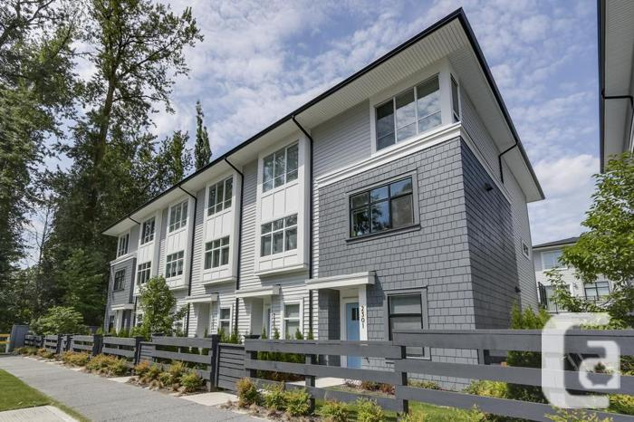 BRAND NEW 2 Bedroom Townhouse For Sale Surrey Clayton