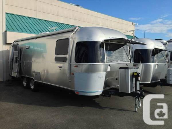 Brand new 2014 Airstream 27 International Queen Bed