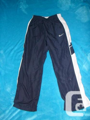 Brand New Boys/Girls (Youth) Nike Pants - Size Large