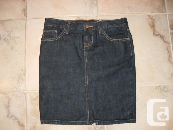 Brand New - Gap Size 2 Jean Skirt