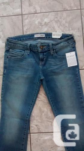 Brand New - Ladies GUESS Capris - Size 29