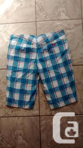 Brand New - Ladies Roxy Plaid Shorts - Size 7