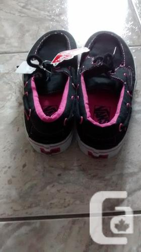 Brand New - Ladies VANS Shoes - Size 9.5
