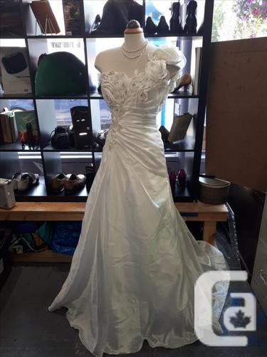 5d50abbef18 Brand New with tags Blush Bridal Boutique Wedding Dress for sale in ...