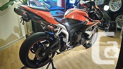 US$5,000 Honda: CBR 2007 honda cbr 600 rr