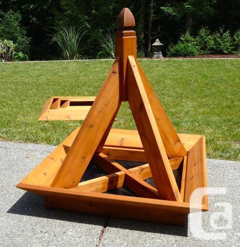 Cedar Pyramid Planter
