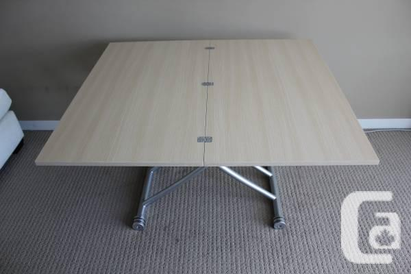 Changing desk, ultra-convenient, bright oak-finish,