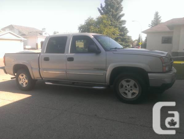 Chev 1500 6 traveler 4-door - $14900
